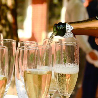 Blue Office 1 jaar, tijd voor champagne!